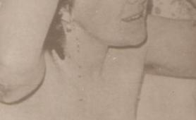 Martina zeigt sich nackt