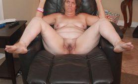 Nude Mom