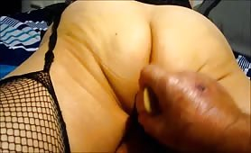 Pammy working her big ass with her dildo to a climax