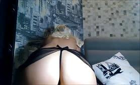 Blonde anal slut Rides her dildo