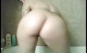 Tattooed PAWG booty shake