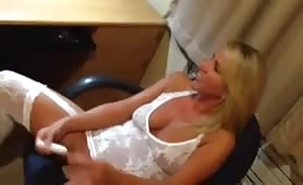 Hot blonde wife getting off with webcam tribute
