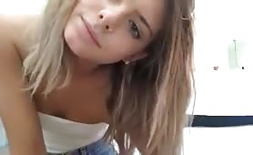blonde girl shows her tiny tits on periscope