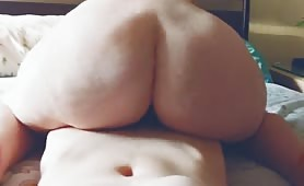 Big juicy PAWG shakes and gets cum all over it.