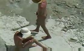 Fucking his petite GF on the beach
